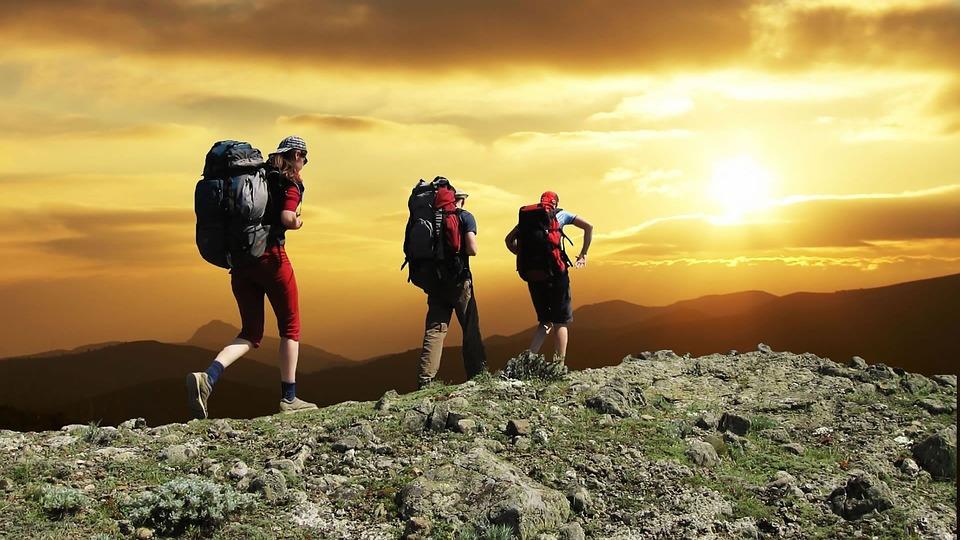 hikers-1147796_960_720